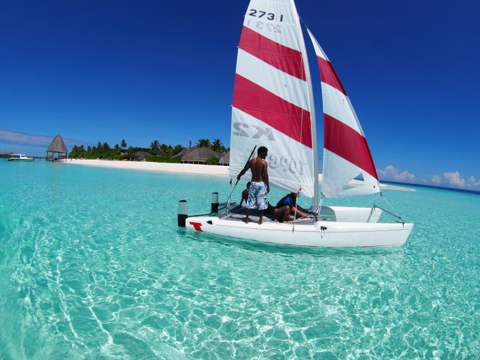 home_catamaransailingmaldives.jpg