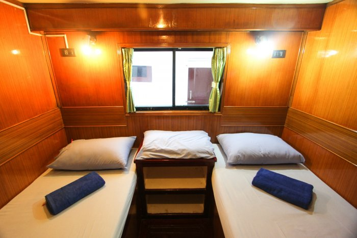 liveaboards_mantaqueen1twinbed.jpg